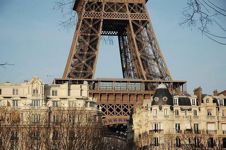 La tour Eiffel, les beaux quartiers