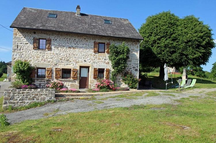 875304 - 6 pers - 3 ch - 2 épis - Peyrat le Château