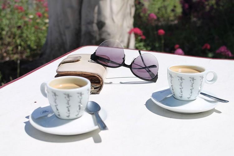 Le Café Chaud