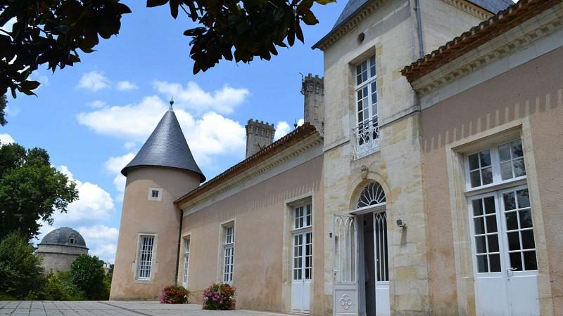 Chateau-Lescombes---Centre-d-art-contemporain-Ville-d-Eysines-3