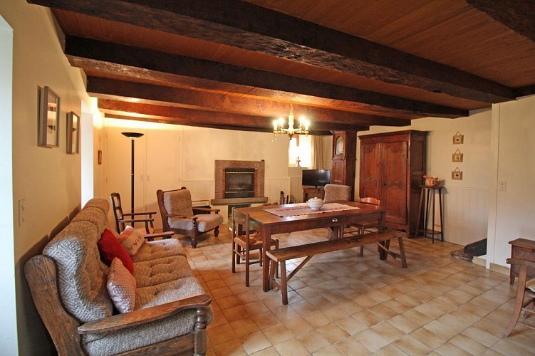 875015 - 6 people - 4 bedrooms - 2 'épis' (ears of corn) - Beaumont du Lac