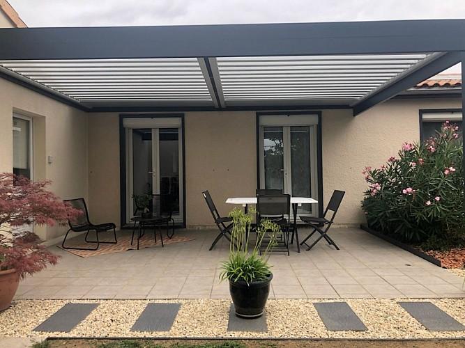 st-pierre-des-echaubrognes-chambres-dhotes-terrasse-1