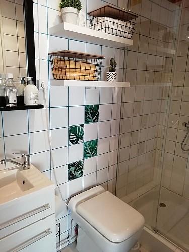 st-pierre-des-echaubrognes-chambres-dhotes-salle-de-douche
