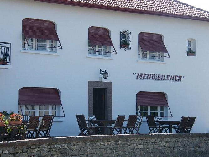 Hôtel-restaurant Mendibilenea - 64120 Amorots (2)
