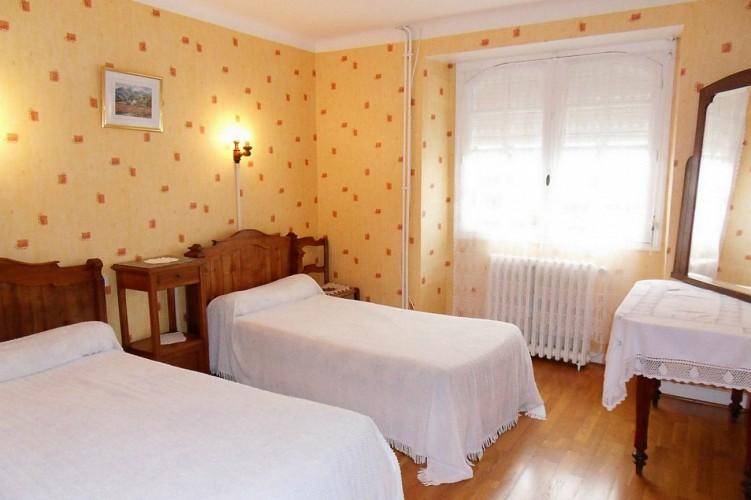 Hôtel-restaurant Mendibilenea - 64120 Amorots (10)