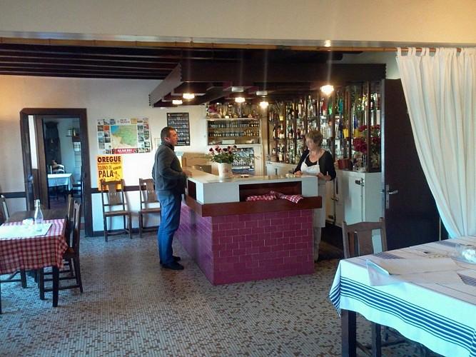Hôtel-restaurant Mendibilenea - 64120 Amorots (7)