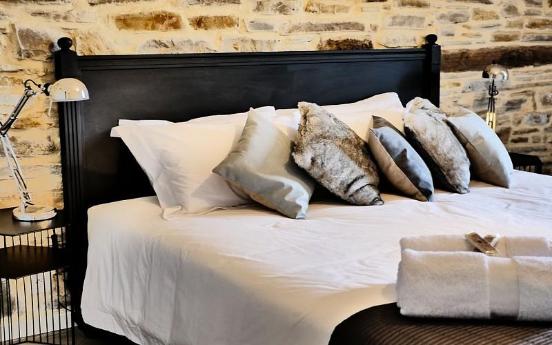 Chambre-d-Hotes-Secret-Pyrenees---Chambre-III--Tobias-MEWS-