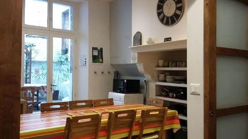 Gite-Ultreia-Vertes-Montagnes-cuisine--vue-cheminee-et-patio-20190306-3