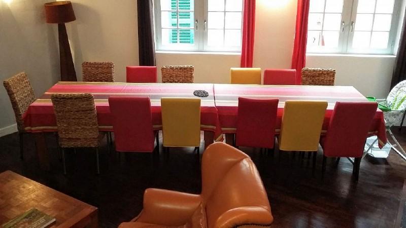 Gite-Vertes-Montagnes-salle-a-manger-table-20190306-site-