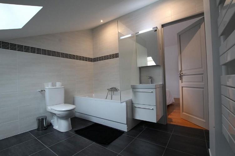 Maison Erdois salle de bain baignoire - Gamarthe