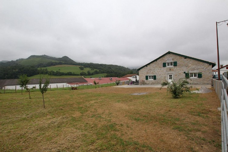 Maison Erdois jardin - Gamarthe