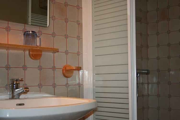 15_Maison Bergès_Salle d'eau_Barcus64130