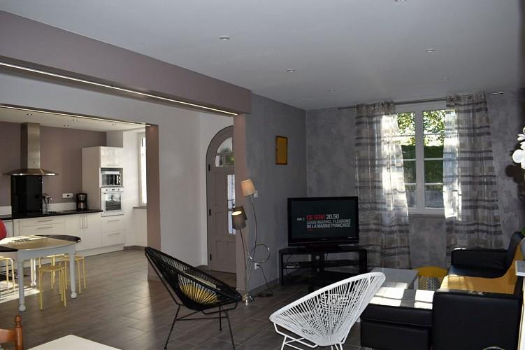 Maison mitoyenne Arradoy sejour et cuisine - Irouleguy