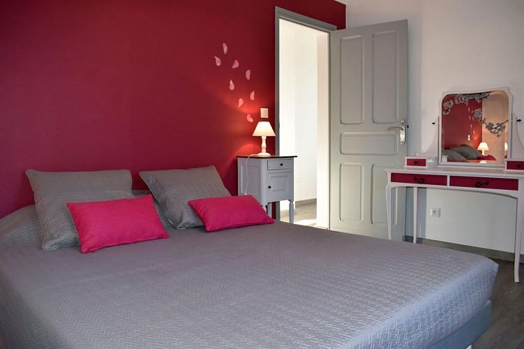 Maison mitoyenne Arradoy chambre lit double - Irouleguy
