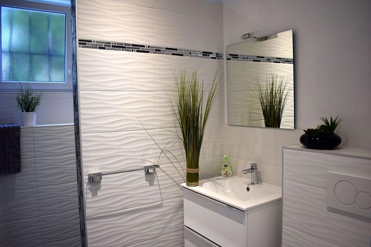 Maison mitoyenne Arradoy salle de bain - Irouleguy