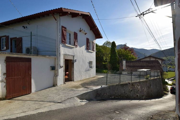 Xans-façade St etienne de baigorri