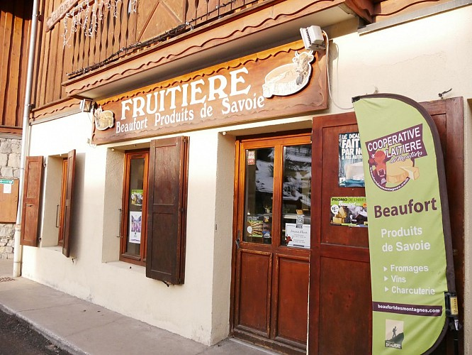 La Fruitière cheese shop & local products