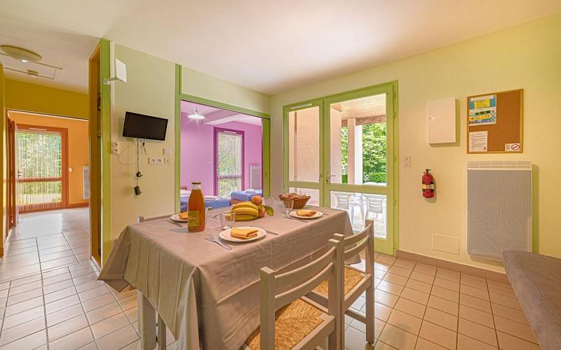 877510 - 5/7 people - 2 bedrooms - 2 'épis' (ears of corn) - Les Cars