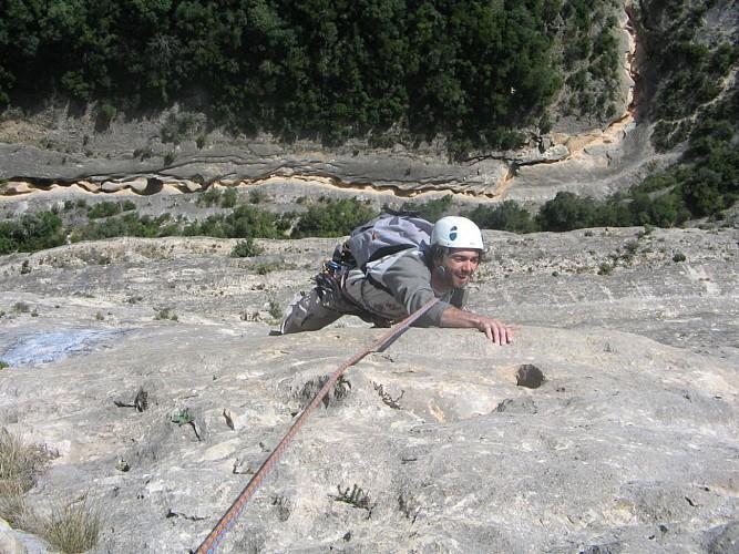 Étienne Toutan - Accompagnateur montagne - Moniteur escalade et canyon
