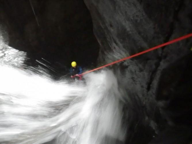 Kathaayatraa canyonning