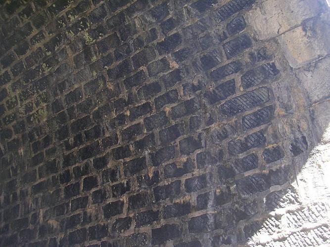 Entrée du souterrain des Echarmeaux