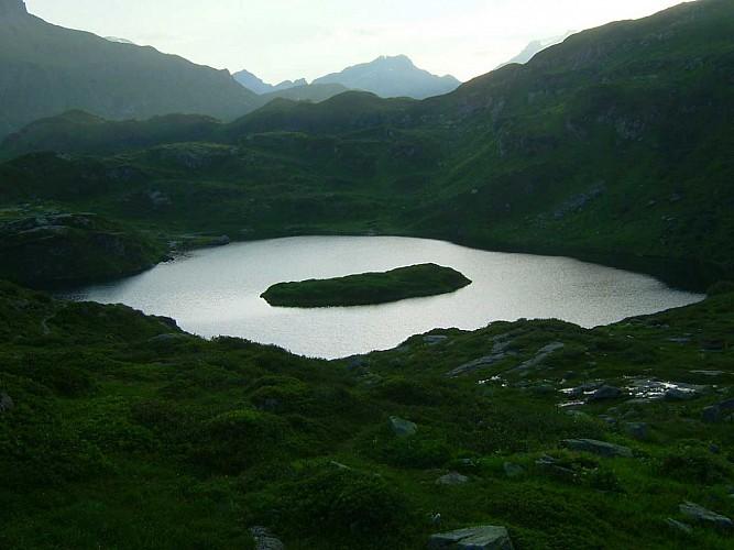 Lake: Lac de Pormenaz
