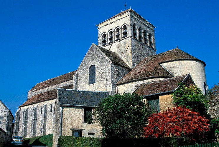 Church Saint Loup de Naud