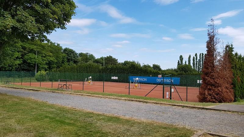 Possibilité de pique-nique : Zone de loisirs et de sports