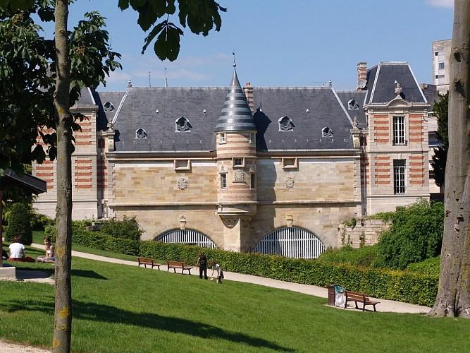 Le Petit Jard et le Château du Marché