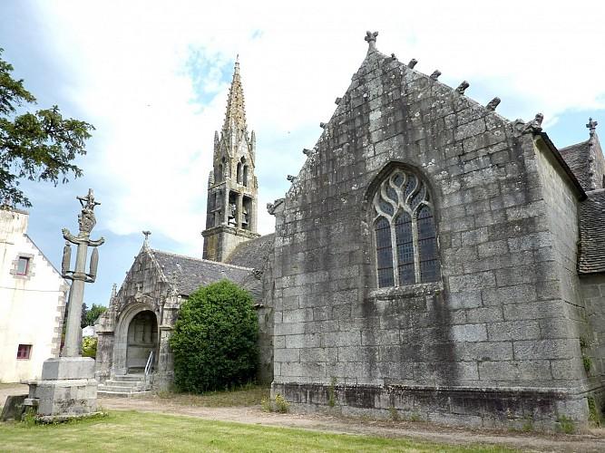 Eglise Sainte-Geneviève et calvaire