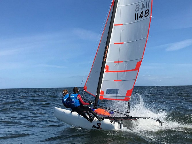 Competitive sport yachting lessons