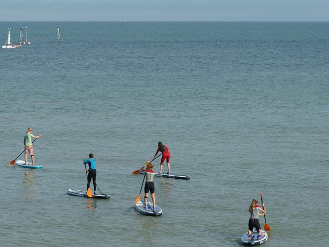 Stand-up paddle hire