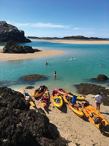 Stopover in the Chausey archipelago: an excursion through the mussel and oyster beds