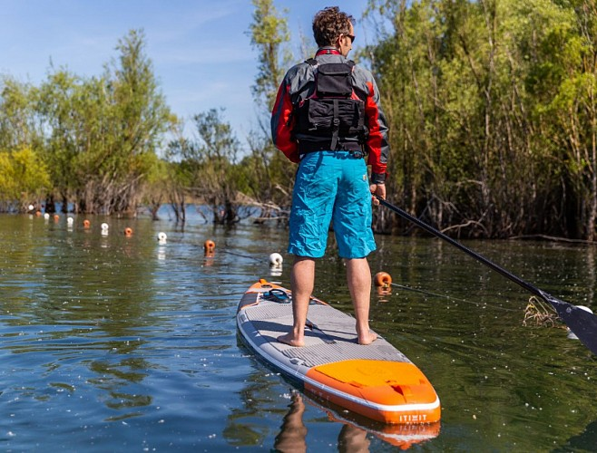 Stand up paddle boarding at the Bédanne Leisure Park