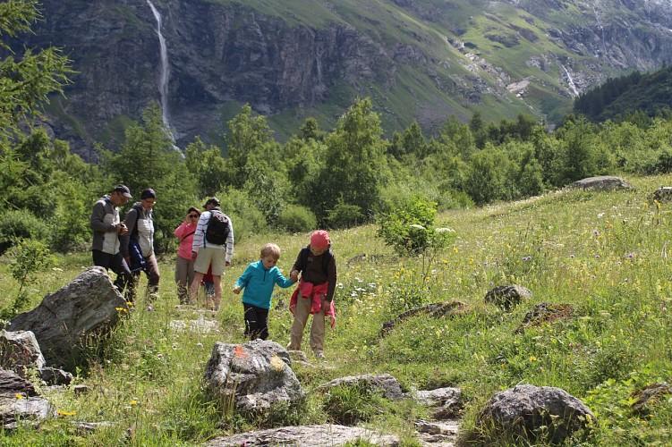 GB Montagne - Balades à raquettes et randonnées à la Plagne