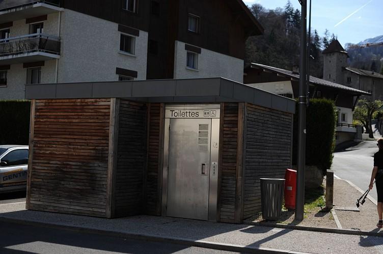 Toilettes publiques de l'église