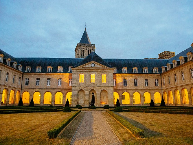 Guided tour of the Abbaye aux Dames