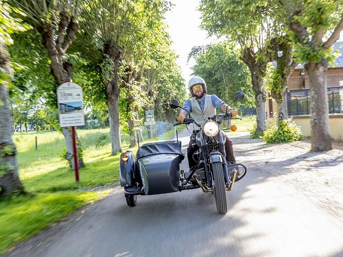 Suivez la route du cidre en side-car avec Retro Tour