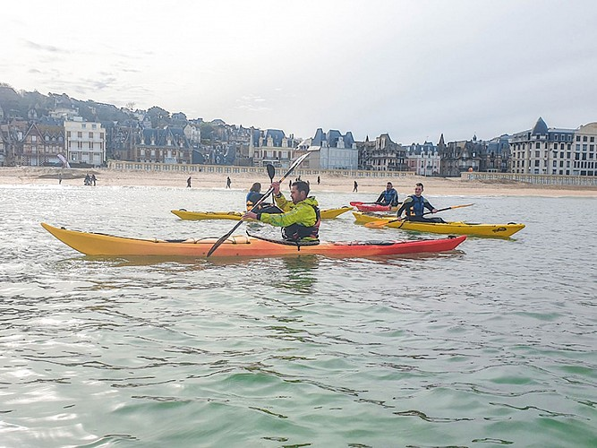 Combine kayaking and fitness