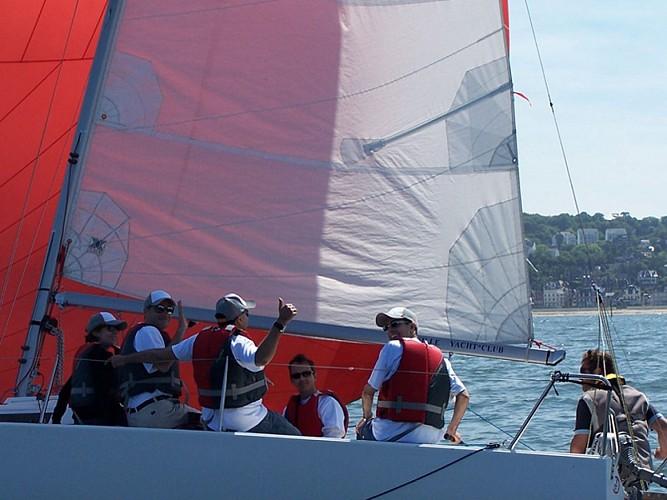 Balades nautiques, initiation & perfectionnement avec le Deauville Yacht Club