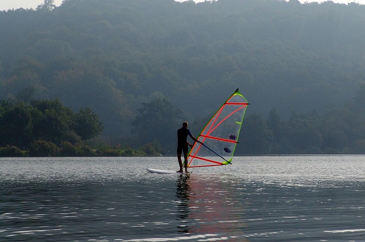 Windsurfing at the Caniel Leisure Park - Private lessons