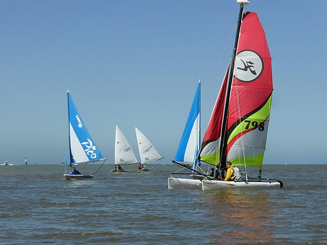 Normandy Cabourg Pays d'Auge Intercommunal Sailing School