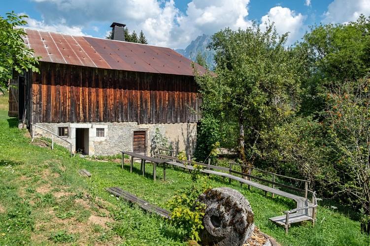 Clos Parchet farm and folk museum tour