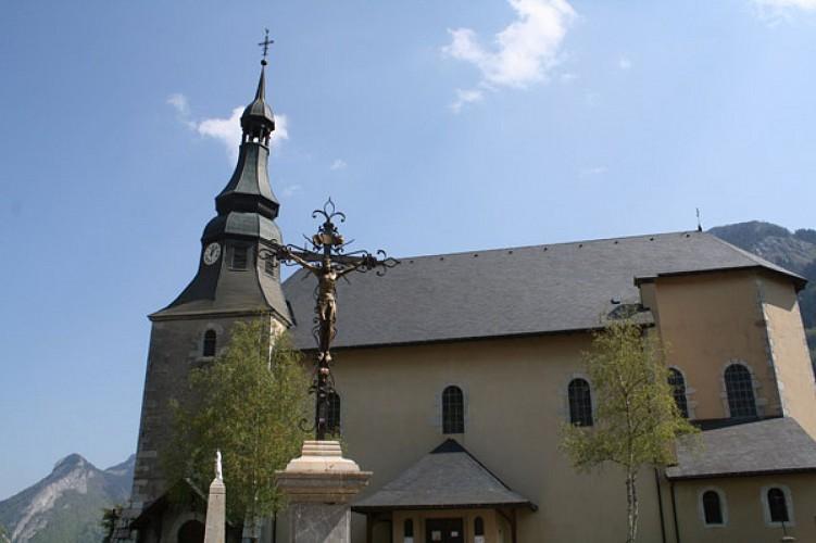 La croix de l'église
