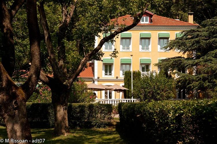 Hôtel-Restaurant Le Cèdre de Soyons
