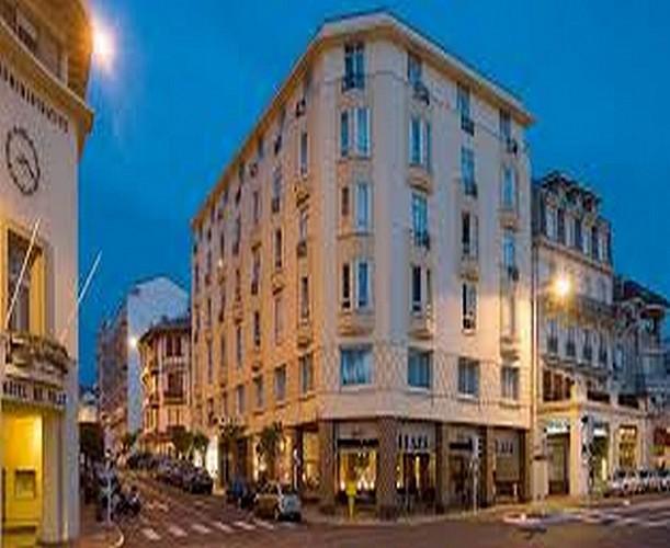 Hôtel  Mercure Plaza