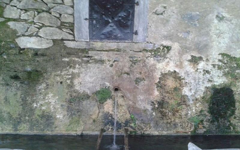 Lavoir du village d'Aas