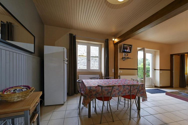 875290 - 5 personas - 3 habitaciones - 2 espigas - Peyrat le Château