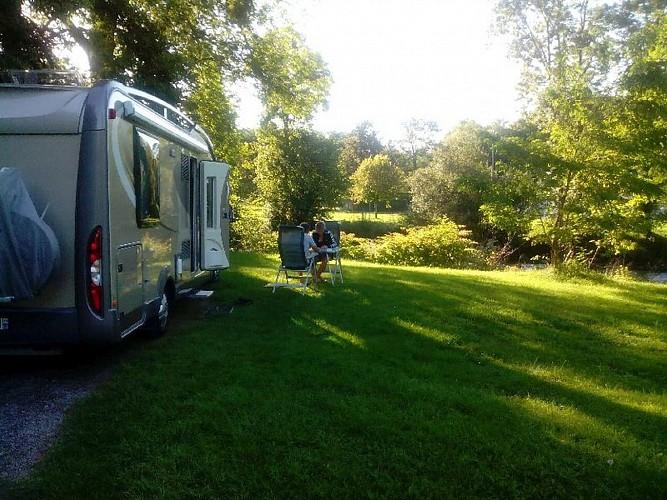 camping car aire de camping cars du gave d 39 ossau sevignacq meyracq. Black Bedroom Furniture Sets. Home Design Ideas