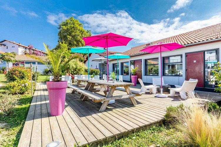 Bella Vista Guest Center Pays Basque